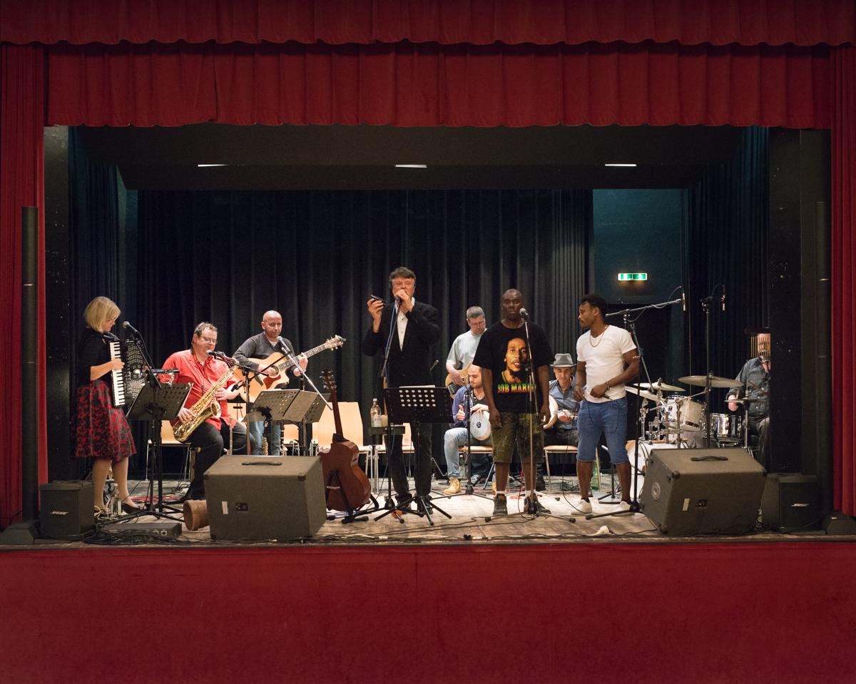 Dem Renner seine Band – eine musikalischen Begegnung.