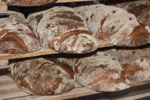 farmers-bread-388647_640